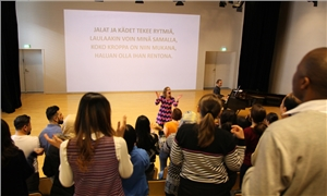 Link to event Opi suomea laulaen – singing workshop